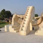 Een van de instrumenten in het sterren observatorium in Jaipur