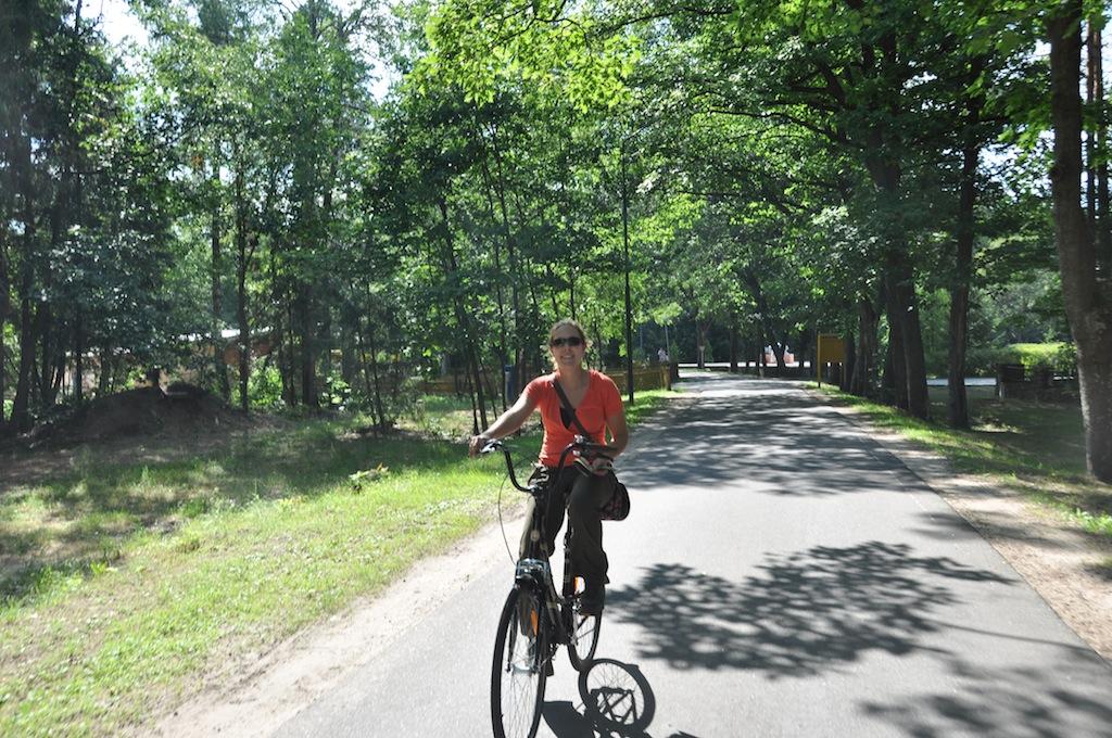Fietsen in Belovezhskaya Pushcha park.